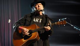Neil Young je izjemno plodovit glasbenik. Foto: Kevin Mazur