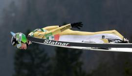 Domen Prevc je spet pripravljen navduševati s svojim letalnim slogom. FOTO: Matej Družnik