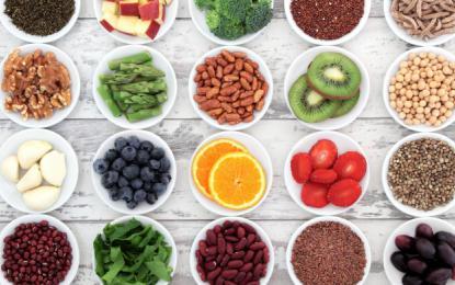 Z uravnoteženo prehrano bomo dobili največ vitaminov in mineralov