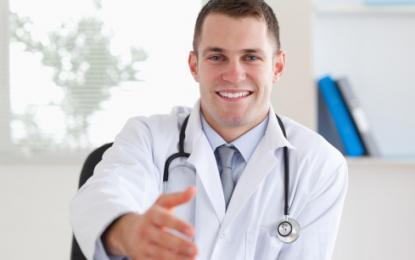Na prvih sto mestih zaposlenih z najvišjimi majskimi prejemki v javnem sektorju je kar osemdeset zdravnikov. Foto: Thinkstock