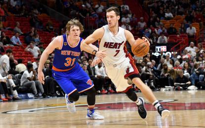Goran Dragić (z žogo) bo poskušal zasedbo Miamija popeljati do izločilnih bojev v ligi NBA