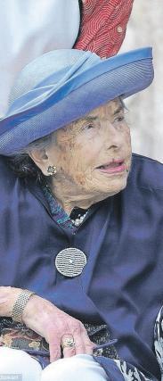 Grofica Mountbatten lani na vnukinjini poroki