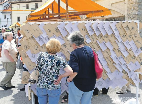 Papirci so vzorci za čipke