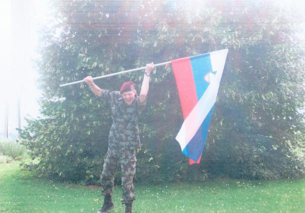 Vojaku Dušanu Petrovčiču so namesto zaporne kazni izrekli ukrep obveznega psihiatričnega zdravljenja