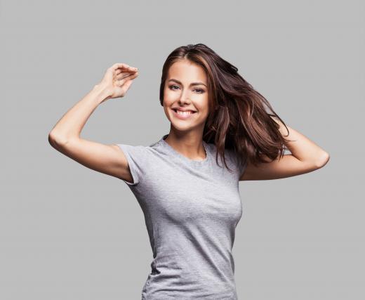 Vsakdo si želi bujnih in zdravih las, a za to ne zadostujejo zgolj kakovostni in dragi preparati
