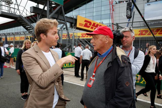 Nico Rosberg med pogovorom z Nikijem Laudo