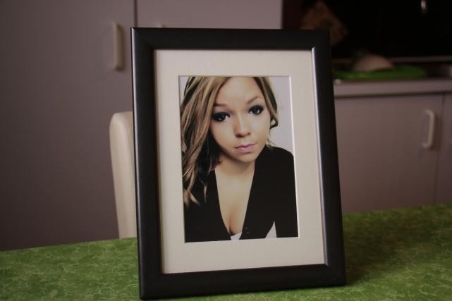 Teja je umrla, stara 19 let